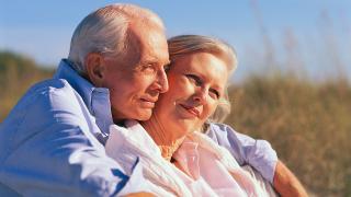 Seniors embracing: 5 ways to strengthen immunity
